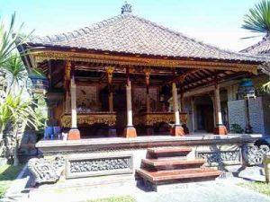Bale Daja atau Bale Meten - Rumah Adat Bali