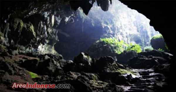 Goa kasah - Gunung kerinci Sumatera Barat