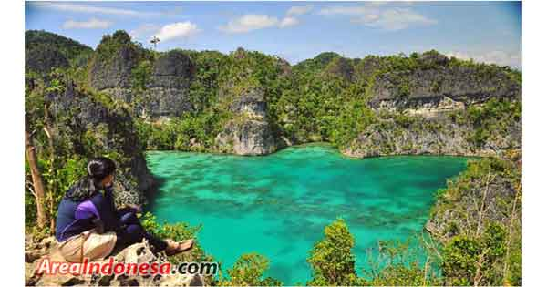 Star Lagoon - Raja Ampat Islands